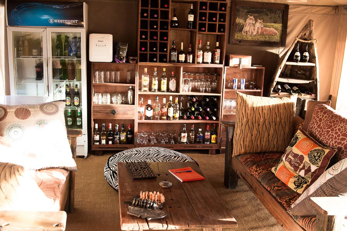 Acacia camp bar
